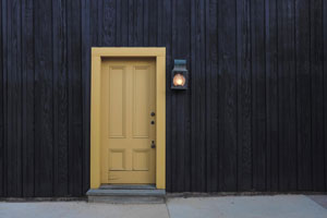 Open the door to positive reviews : make sure you provide the optimal environment